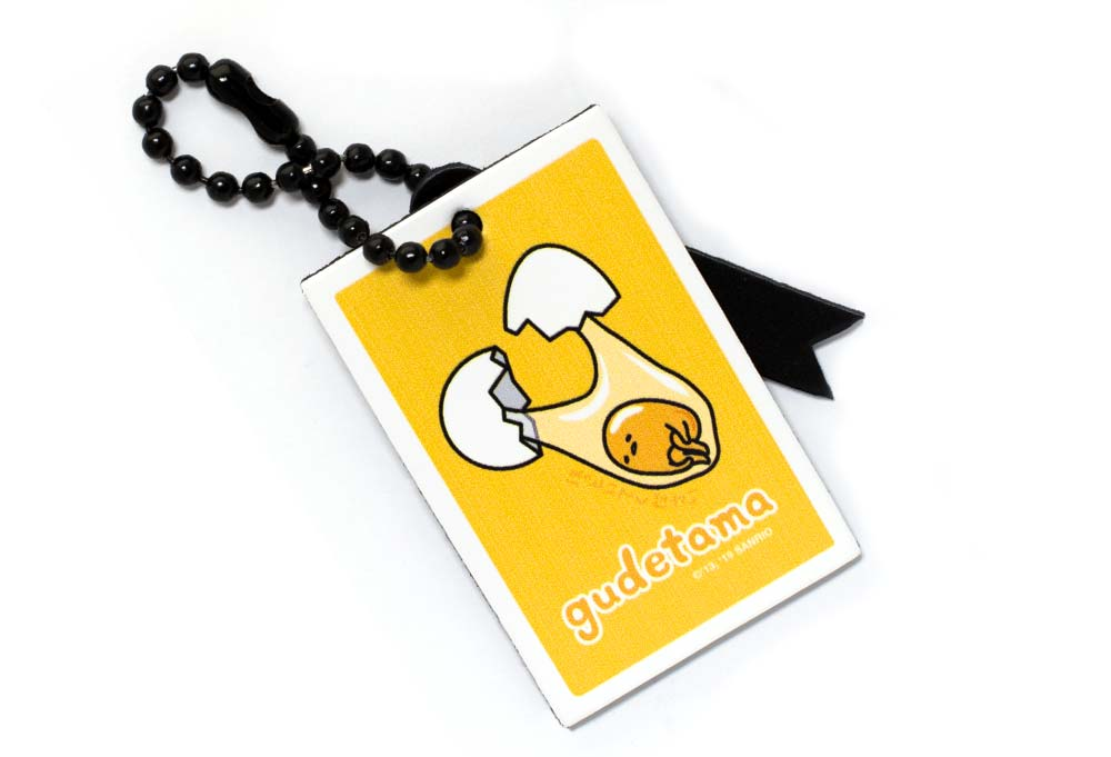 gudetama-cracked-yellow-bag-tag